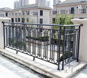 铁艺焊接阳台护栏